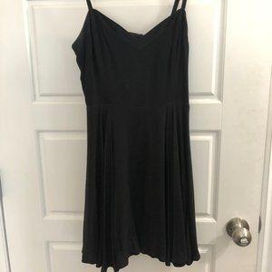 Talula Lipinski Dress - Size 4 NWT